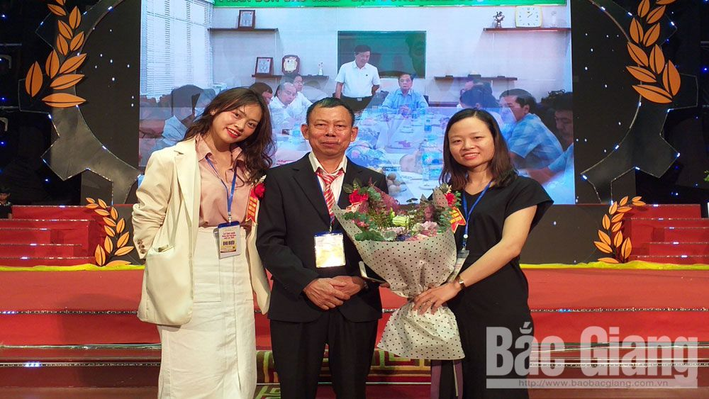 Nông dân Nguyễn Bá Hữu: Thu bạc tỷ từ đầm lầy